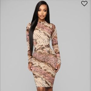 Fall In Love Snake Dress - Brown/Pink